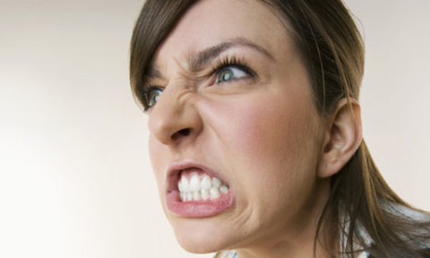 w621_An-angry-woman-007